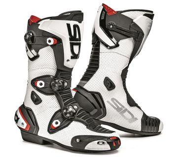 Bottes moto en cuir et avec un haut niveau de protection