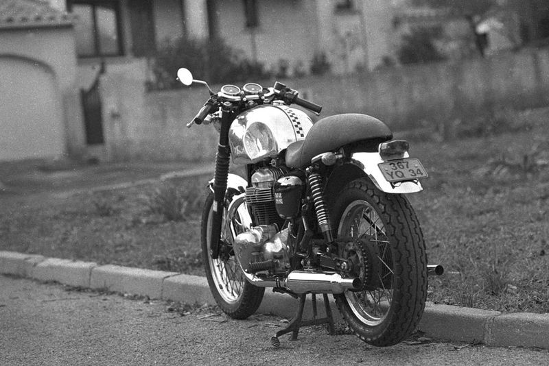 pneus dunlop k82 sp cial caf racer caf racer old timer pi ces moto accessbk. Black Bedroom Furniture Sets. Home Design Ideas